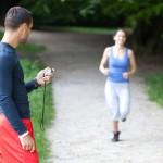 Jól jön egy edző segítsége a felkészülésnél, méri a köridődet, kijavítja a hibáidat, tanácsot ad