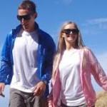 Szeles de napos időben: napszemüveg, aláöltözék és vékony sportfelső - széldzseki