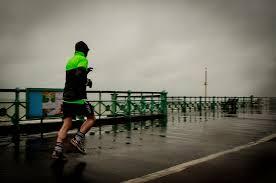 Eső, szél, hideg...a körülmények nem mindig szépek és jók..Te döntöd el mihez kezdesz velük...futni ilyenkor is lehet