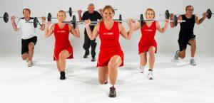 Minden korosztálynak Hot Iron edzés: kitörés, guggolás szabályosan